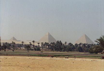 Sterne in der Wüste: die Pyramiden von Gizeh